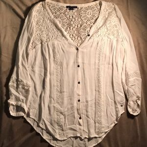Button-down 3/4 sleeve blouse
